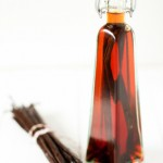 How To Make Vanilla Extract (Homemade)