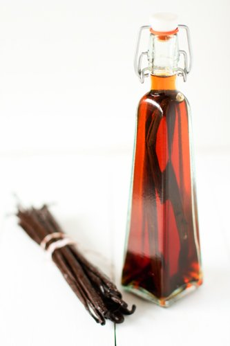 homemade-vanilla-extract-recipe