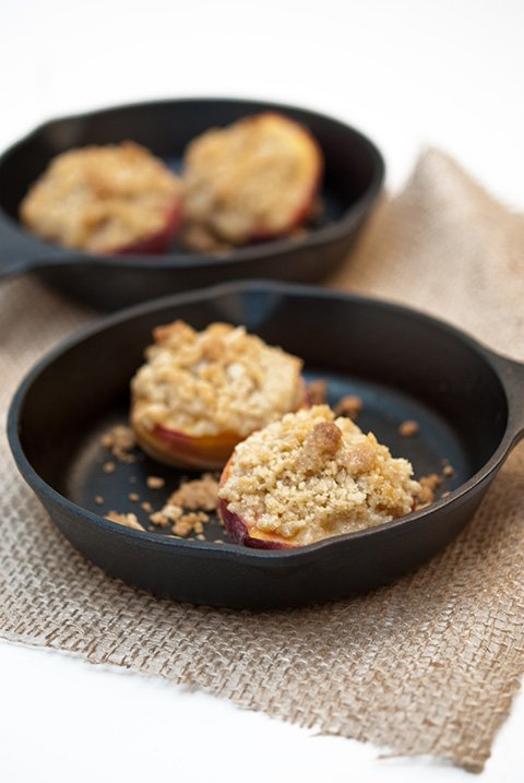 Baked peach crumble