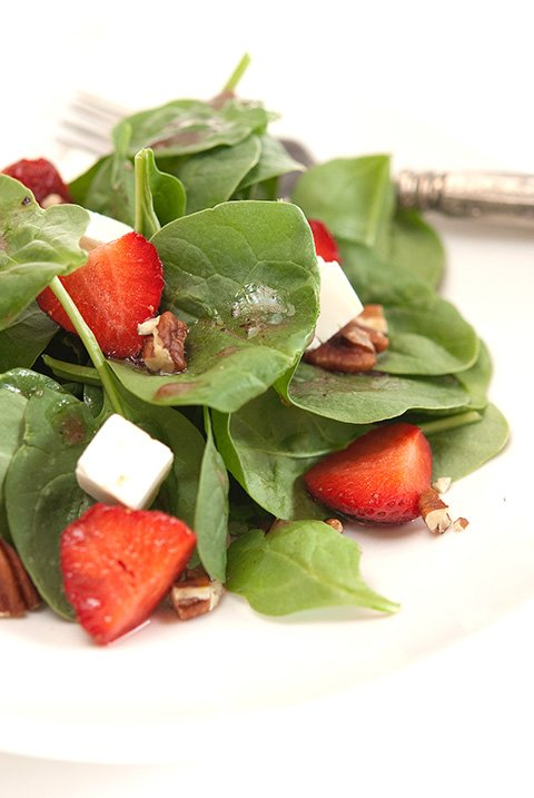 strawberry feta salad with strawberry vinegrette