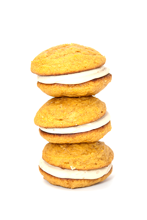 pumpkin maple cream whoopie pie