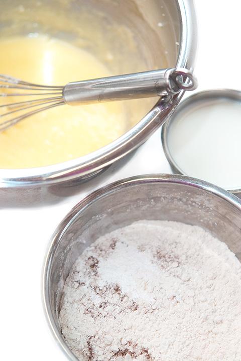 vanilladonutmuffinsprep1
