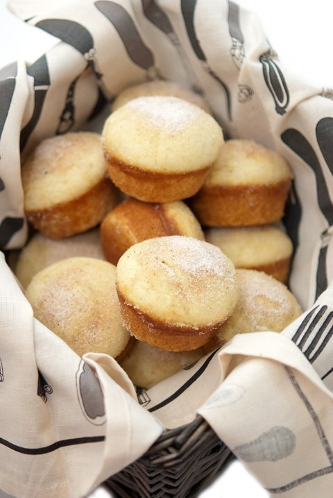 vanilla donut muffins