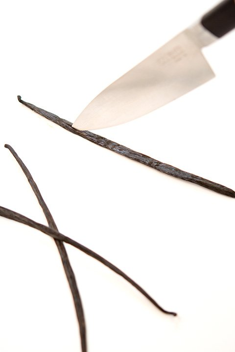 How to Cut a Vanilla Bean
